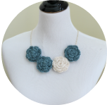 crochet-flower-cluster-necklace