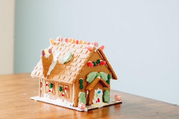 ginger-bread-house-6